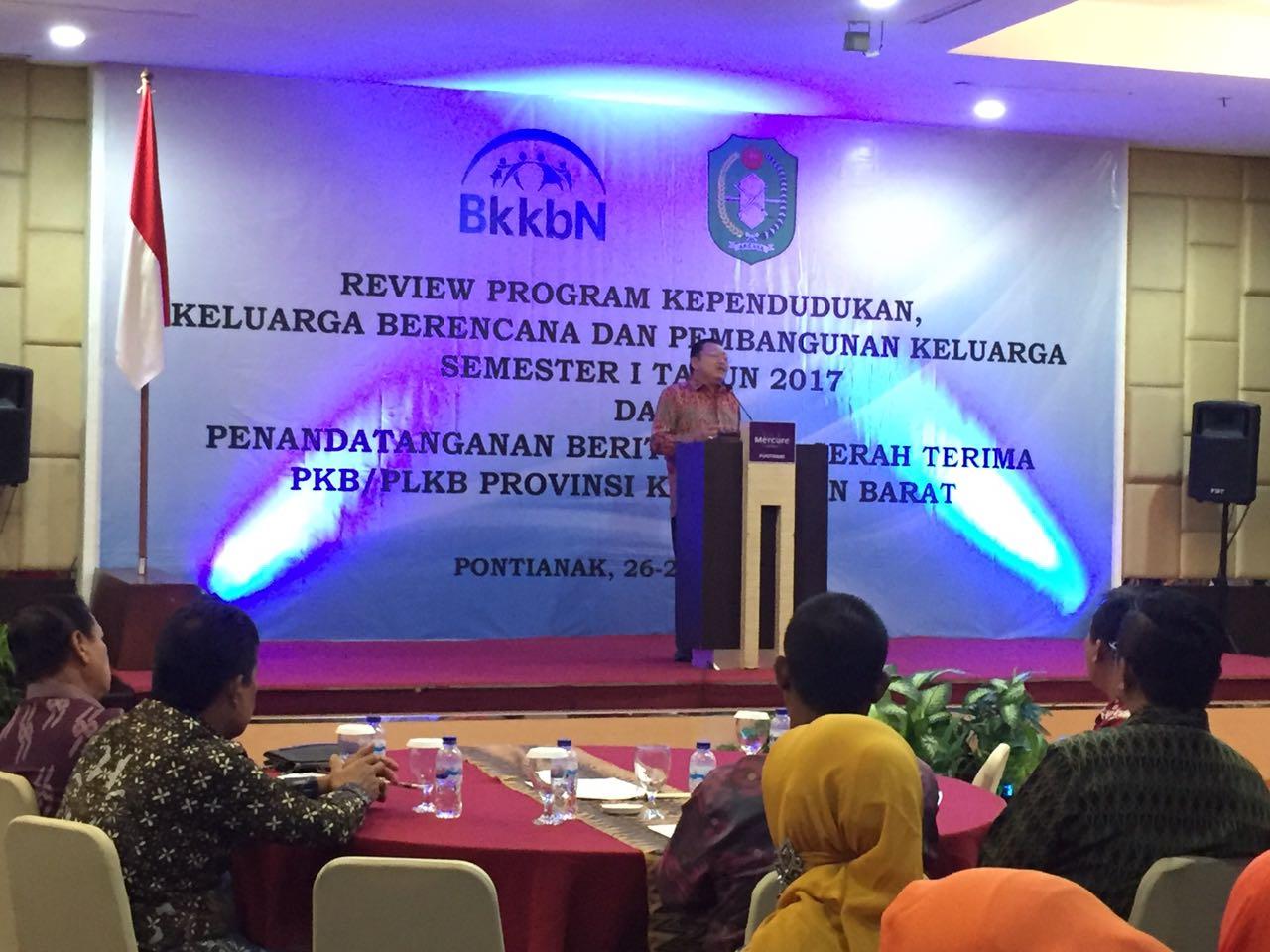 Ulang Tahun Gubernur Kalbar pada Kegiatan Review Program KKBPK