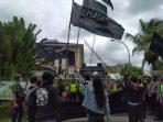 Aksi Demonstrasi Solmadapar di Kejati Kalbar (27/1)